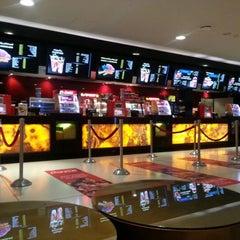 Photo taken at Reel Cinemas ريل سينما by Mooni N. on 6/5/2012