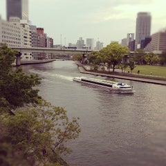 Photo taken at 天神橋 by bagus_y on 5/14/2012