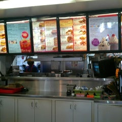 Photo taken at SONIC Drive In by Tejas G. on 8/29/2012