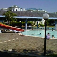 Photo taken at ATLANTIS swimming pool by tony k. on 6/24/2012