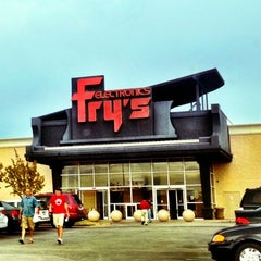 Photo taken at Fry's Electronics by @JayJayasuriya on 6/20/2012