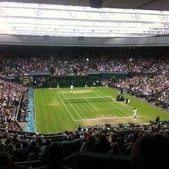 Das Foto wurde bei The All England Lawn Tennis Club von ESPN am 7/6/2012 aufgenommen