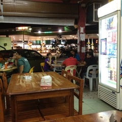 Photo taken at Selera Kampung Medan Jaya by -Arman A. on 2/25/2012