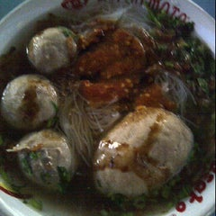 Photo taken at Bakso Green Garden by Liliana T. on 7/10/2012