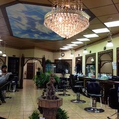 Photo taken at Vinita's Beauty & Threading Studio by Velerie R. on 5/1/2012