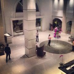 Photo taken at The Sukosol (โรงแรม เดอะ สุโกศล) by Piyawan N. on 3/15/2012