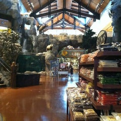 Photo taken at Bass Pro Shops by Viviana G. on 8/3/2012