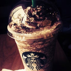 Photo taken at Starbucks Coffee by Krizza Claudelle R. on 5/9/2012