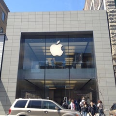 Photo taken at Apple Store, Sainte-Catherine by Louis G. on 5/6/2012