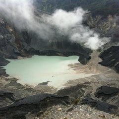 Photo taken at Gunung Tangkuban Parahu by Dimas Sasongko L. on 4/6/2012