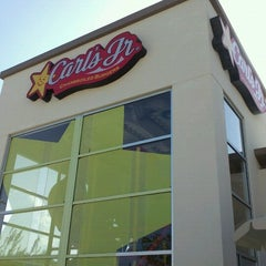 Photo taken at Carl's Jr. by Donato A. on 9/2/2012