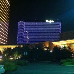 Photo taken at Borgata Hotel Casino & Spa by Melissa Y. on 8/11/2012