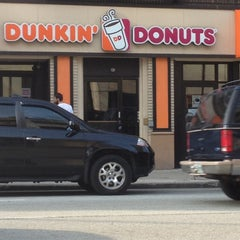 Photo taken at Dunkin' Donuts by London P. on 3/16/2012