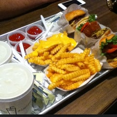 Photo taken at Shake Shack by Carrie on 8/21/2012