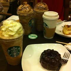 Photo taken at Starbucks by ShyaMonster on 5/5/2012