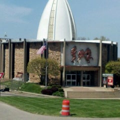 Photo taken at Pro Football Hall of Fame by Lee G. on 4/13/2012