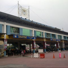 Photo taken at Sungai Nibong Express Bus Terminal by d4n1 d. on 9/8/2012