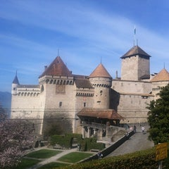 Photo taken at Château de Chillon by Yannis J. on 3/31/2012