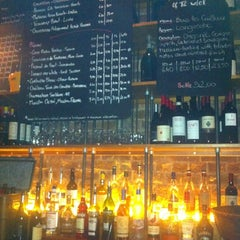 Photo taken at Bar Battu, Natural Wine Bar & Bistro by JOHN D. on 3/13/2012