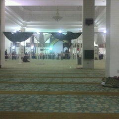 Photo taken at Masjid Kuarters KLIA by Eunsun S. on 7/22/2012