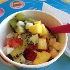 Photo taken at Menchie's Frozen Yogurt by Lauren E. on 2/9/2012