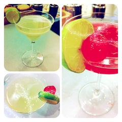 Photo taken at Witoon's Cocktail And Wine School by Natt K. on 4/4/2012