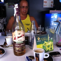 Photo taken at El Cafe Del Levante by TOŃO on 8/10/2012