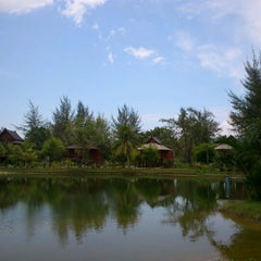 Photo taken at ThaiLife Homestay Resort & Spa by Pichan P. on 4/2/2012