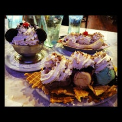 Photo taken at Farrell's Ice Cream Parlour by Sarah K. on 3/26/2012