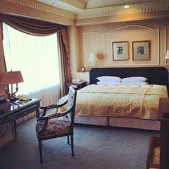 Photo taken at ホテル ザ・マンハッタン(HOTEL THE Manhattan) by 毛ブラP @. on 4/28/2012