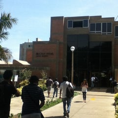 Photo taken at Biblioteca Central - PUCP by cHreS on 4/10/2012