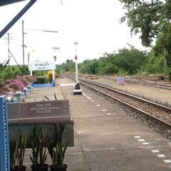 Photo taken at สถานีรถไฟบางแก้ว (Bang Kaeo) SRT4331 by 🍓:.Ford F. on 7/11/2012