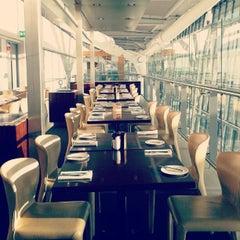 Photo taken at Gordon Ramsay Plane Food by Dmitry S. on 9/9/2012