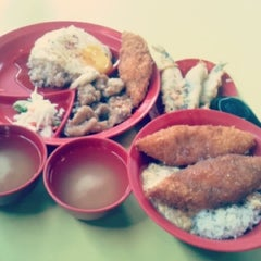 Photo taken at Canteen 4 by Victoria ♥ on 7/27/2012