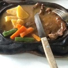 Photo taken at Waroeng Steak & Shake by Emilia L. on 6/8/2012