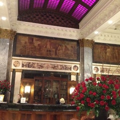 Photo taken at The Seelbach Hilton Louisville by Mike E. on 5/4/2012
