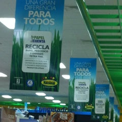 Photo taken at Supermercado Nacional by Bocatips E. on 2/12/2012