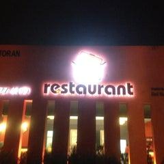 Photo taken at Red Wok Restaurant by Adãm C. on 9/1/2012
