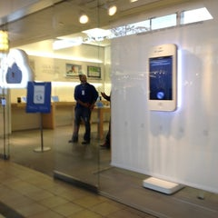 Photo taken at Apple Store, Smith Haven by Edward M. on 2/15/2012
