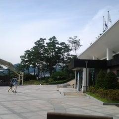 Photo taken at 낙산공원 (Naksan Park) by юлия с. on 9/7/2012