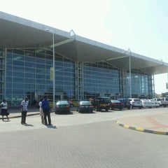 Photo taken at Aeroporto Internacional de Maputo by Osvaldo C. on 4/22/2012