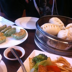 Photo taken at New Peace Chinese Restaurant by Josette S. on 4/6/2012