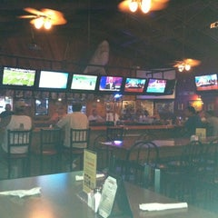 Photo taken at Ron Dao's Pizzaria & Sports Bar by Randy U. on 8/10/2012