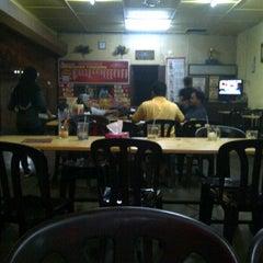 Photo taken at Restoran Vicchuda Meru Indah by Mohamad F. on 2/21/2012