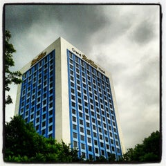 Photo taken at Grand BlueWave Hotel by Mohd Ezwandy M. on 5/21/2012