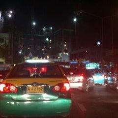 Photo taken at แยกแคราย (Khae Rai Intersection) by Dunkkong N. on 5/18/2012