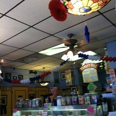 Photo taken at Cannon Ball Malt Shop by Michael Y. on 7/6/2012