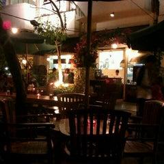 Das Foto wurde bei The Kiosk Coffee Bar von Wira W. am 2/12/2012 aufgenommen