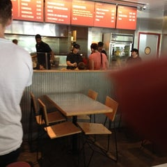Photo taken at Chipotle Mexican Grill by Areliis R. on 8/6/2012