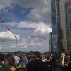 Photo taken at Queen of Hoxton by Joren L. on 6/17/2012